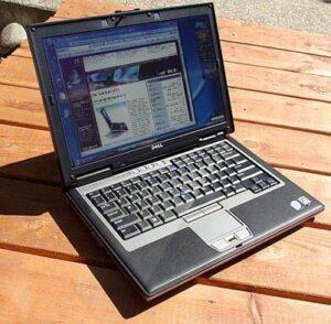 ban-laptop-dell-latitude-d830-gia-re-quan (6)