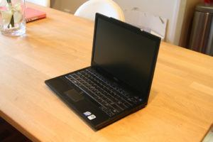 ban-laptop-dell-latitude-e6400-core-i5-ram-ddr3-hdd-o-cung-gia-re-quan 21