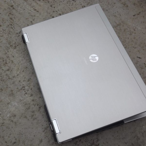 ban-laptop-hp-elitebook-8440p-core-i5-ram-ddr3-hdd-o-cung-gia-re-quan 5